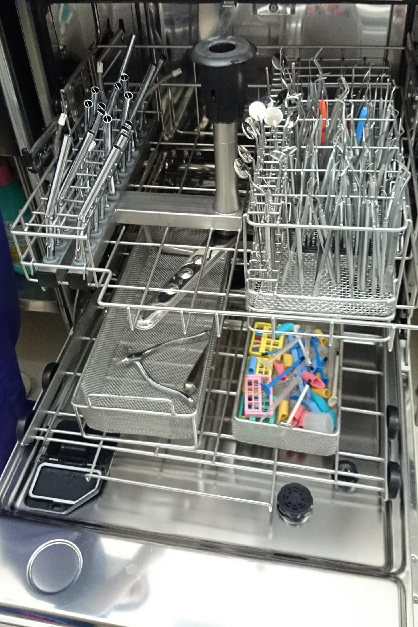 ウォッシャー・ディスインフェクター(Washer-Disinfectors)(洗浄消毒装置)1